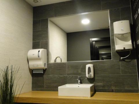 diseño interiorismo limpieza sencillez materiales combinados