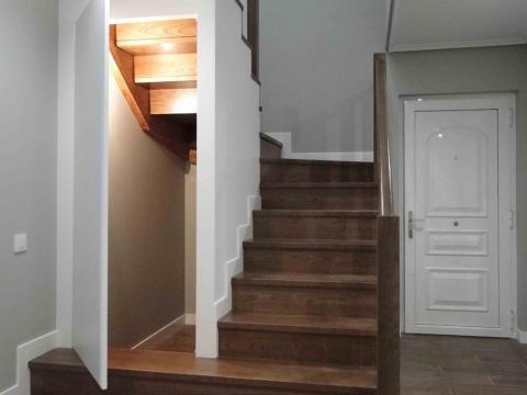 entrada trastero escalera push madera gris blanco