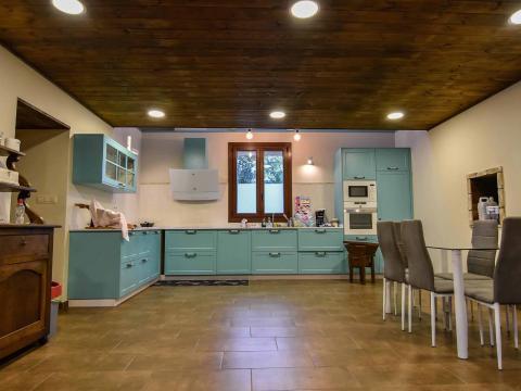 cocina comedor azul turquesa moderno tradicional madera